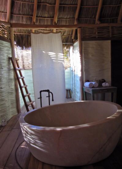 bañera hotelito desconocido costalegre