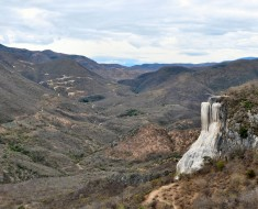 panoramica hierve el agua cascada petrificada oaxaca mexico