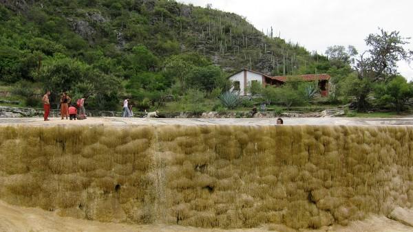 hierve el agua piscina oaxaca
