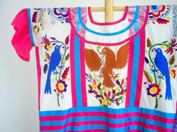 bordado floral mexico