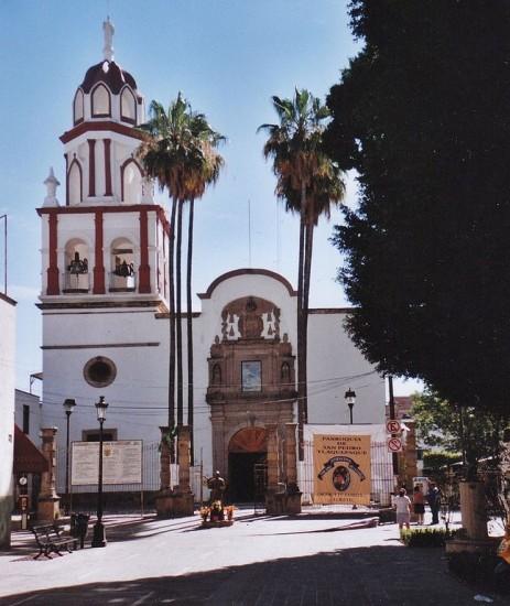 iglesia san pedro tlaquepaque