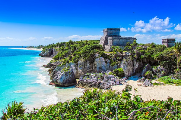 perfil ruinas mayas de tulum