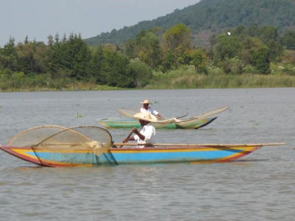 pescadores lago de patzcuaro michoacan