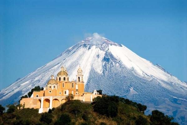 vista iglesia volcan popocatepetl cholula puebla