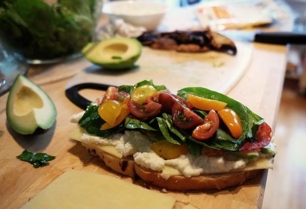 sandwich aguacates