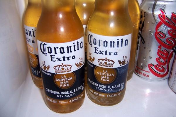 cerveza mexicana coronita