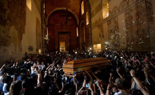 Fotos del funeral y entierro de Joan Sebastian