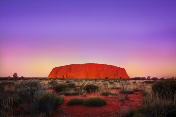anochecer uluru ayers rock australia