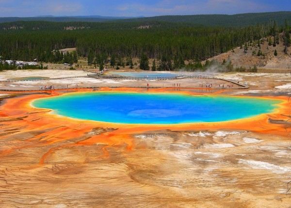 lago arcoiris yellowstone