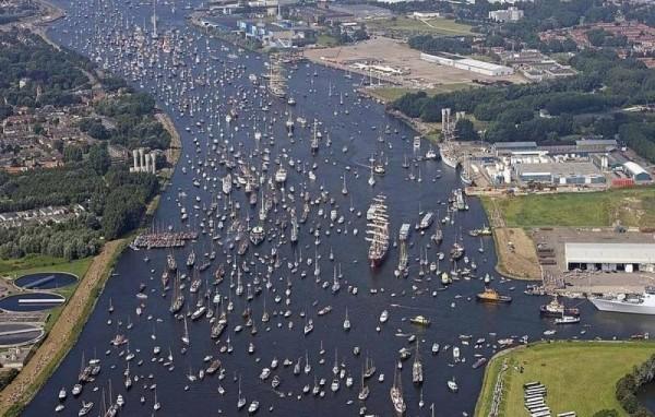 Sail Amsterdam Desfile de Barcos en Amsterdam