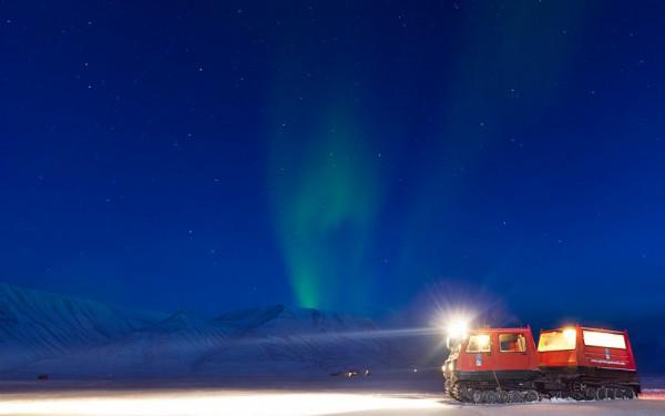 auroras boreales svalbard noruega