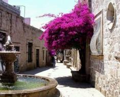 Callejón del Romance en Morelia en Mexico