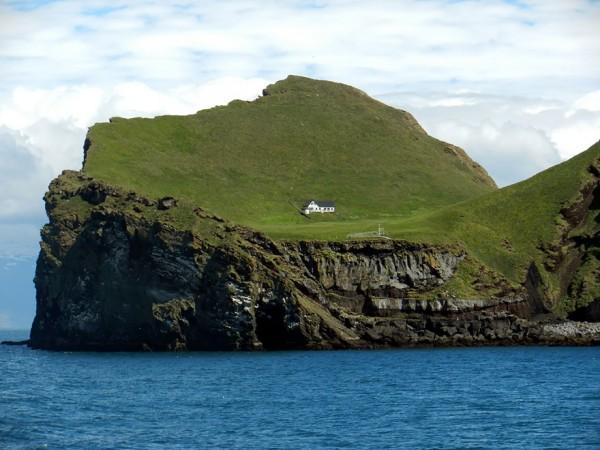 casa-solitaria-isla-islandia3