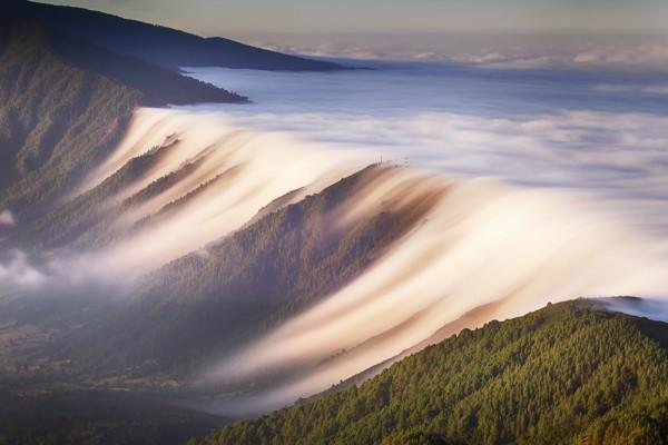 mar o cascada de nubes la palma canarias