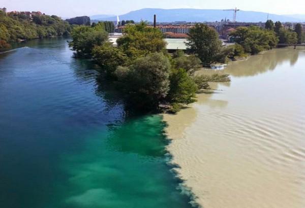 La confluencia de los Ríos Ródano y Arve (Ginebra, Suiza)
