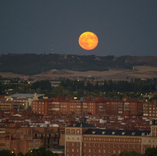 valladolid españa fotos eclipse total de super luna 2015