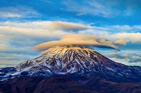 nubes lenticulares monte damavand sin photoshop