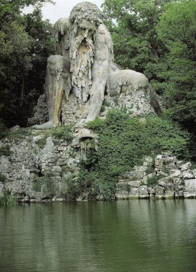 escultura colosso dell appennino villa de pratolino toscana
