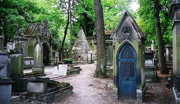 halloween paris pere lachaise cementerio