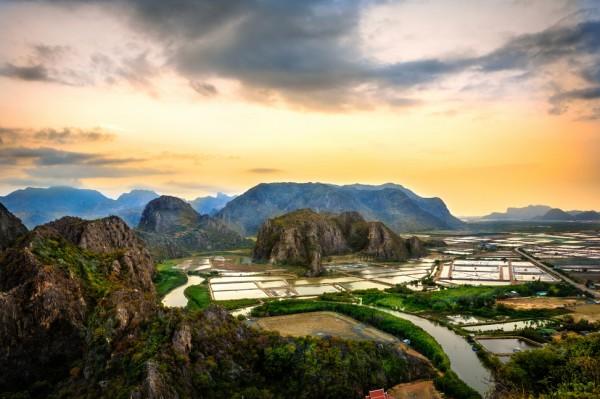 montana 300 picos parque nacional khao sam roi yot tailandia