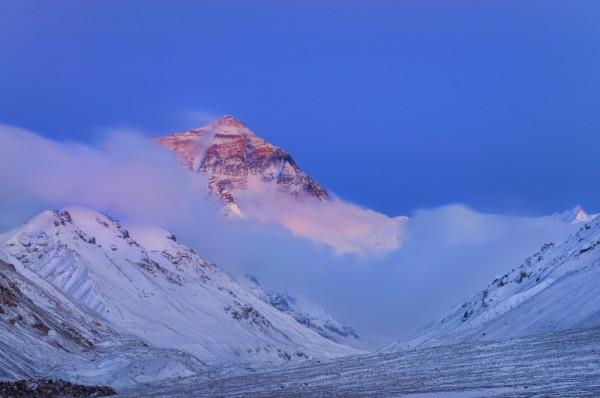 monte everest es la montaña mas grande del mundo