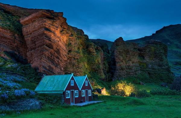 casas solitarias naturaleza islandia