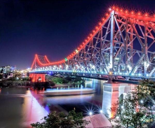 iluminacion atentando paris brisbane australia