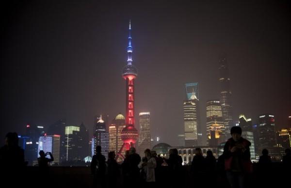 iluminacion atentando paris shanghai