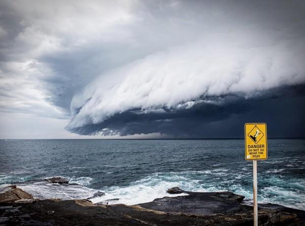 tsunami nubes sydney australia