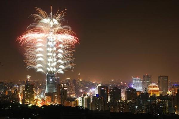 torre Taipei 101 fuegos artificiales