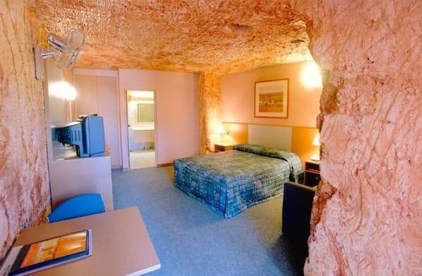 hotel coober pedy australia