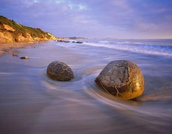 moeraki rocas esfericas piedra nueva zelanda