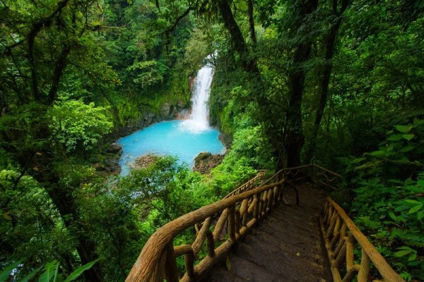 parque nacional volcan tenorio rio celeste