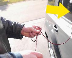Se le cerró la puerta del Coche, pero mira lo que hace con una Cuerda