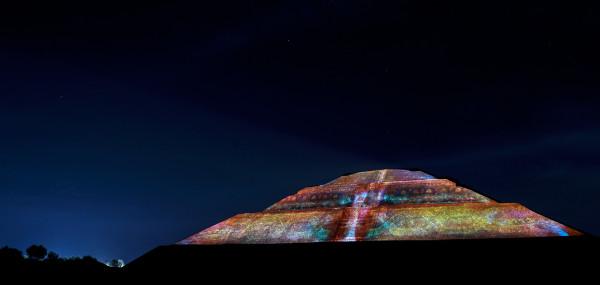 experiencia nocturna en teotihuacan