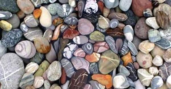 rocas mujer pintada