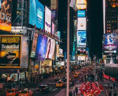 La leyenda del inquietante zumbido de Times Square en Nueva York