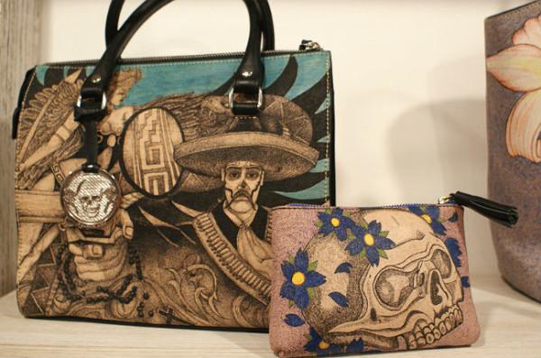 Tatuadores presos de la Ciudad de México hacen bolsos y carteras de alta calidad