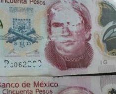 Raspas los billetes para ver si son reales