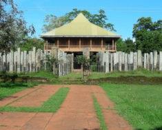 Los 1.600 Pilares de piedra de Lovamahapaya