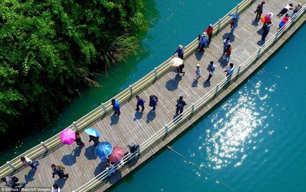 paseo sobre agua shiziguan china