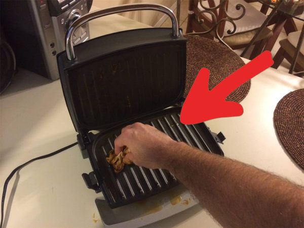 Deja reluciente tu grill sin frotarlo ni rascarlo