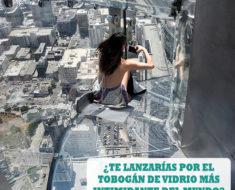 El edificio más alto de Los Ángeles inauguró un tobogán de vidrio a 300 metros de altura