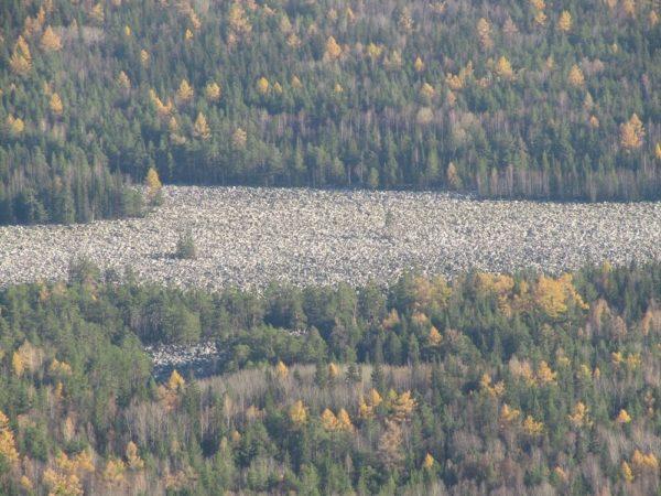 El Gran Río de Piedras en Rusia