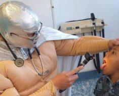 medico-mexicano-combate-la-leucemia-disfrazado-de-superheroe