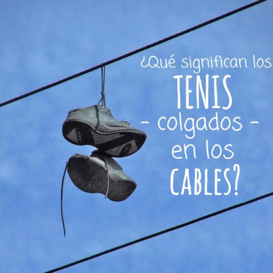 que significan los tenis colgados en los cables