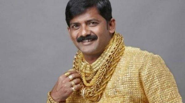 ¿Qué pasó con el millonario que tenía la camisa de oro más cara del mundo?