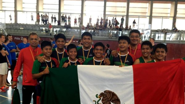 Equipo de niños triquis ganó la Copa Barcelona 2016