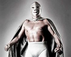 Homenaje por el centenario de El Santo, el enmascarado de plata