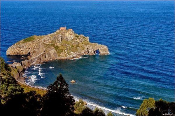 isla de gaztelugatxe en vizcaya
